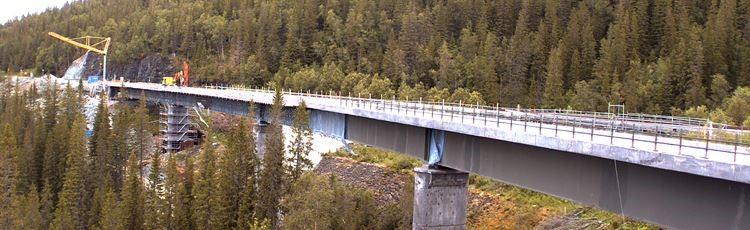 Rostskyddsmålning av järnvägsbro
